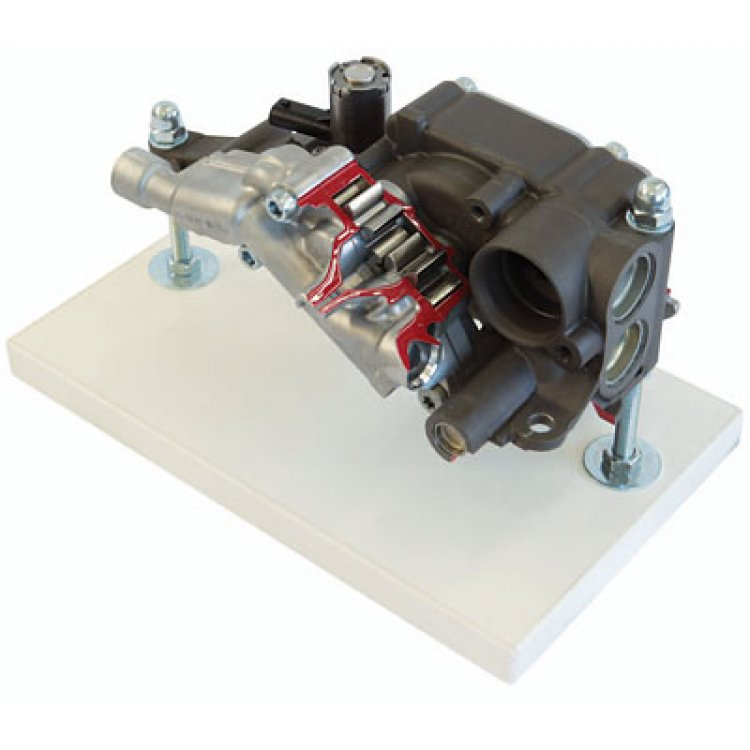 Demand-driven oil pump with suction stage (V8)